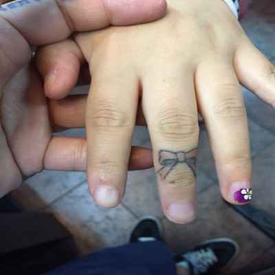 finger-tattoos-2